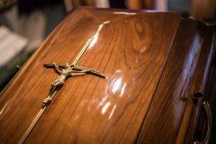 Detail kríža na truhle